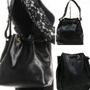 🌴 Epi Black Noe🌴 Shoulder Bag by Louis Vuitton